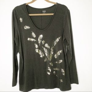 A.n.a Green pullover top with metallic accents.XL